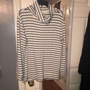 Cowl neck sweater - black and white - Large